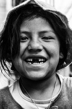 """""""Esta niña sí iba a la escuela. Ella me lo dijo que tenía clase por las mañanas y que por las tardes se quedaba en la calle con su madre"""".Foto: JOSÉ ANTONIO BALLESTEROS MARTÍN"""
