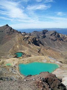 The Tongariro Crossing is one of the best tramps I've done yet, the views were magnificant!