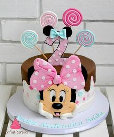 Minnie Kuchen - Geburtstagstorte - You are in the right place about happy Birthday Cake Here we offer you the most beautiful pictures about the Birthday Cake harry Torta Minnie Mouse, Mickey And Minnie Cake, Minnie Mouse Birthday Cakes, Bolo Minnie, Mickey Cakes, Baby Birthday Cakes, Mickey Mouse Birthday, 2nd Birthday, Minnie Mouse Cake Topper