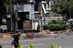 Bom Sarinah IPW : Polri Harus Bongkar Tim Antar Jemput Teroris : Indonesia Police Watch (IPW) menyatakan Polri harus mencari tahu siapa tim pengantar dan penjemput para pelaku serangan teror di kawasan Thamrin Kamis (14/1/2016).