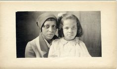 https://flic.kr/p/65qQMe | African American woman and girl | Description: African American woman with a young girl on her lap.  Visit  Discoverblackheritage.com, the  Black Heritage Travel Guide.  Credit: Harvey C. Jackson Collection, Detroit Public Library