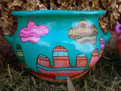 MARIANA ALVAREZ Painted Clay Pots, Hand Painted Ceramics, Mexican Garden, Cool Art Projects, Flower Pots, Flowers, Terracotta Pots, Painting Patterns, Garden Planters