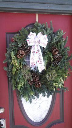 "JanLar 32"" mixed wreath"
