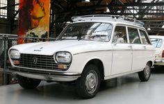 1968 Peugeot 204 Sedan wallpaper