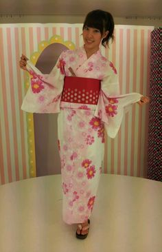 藤江れいなオフィシャルブログ :  高まるぅぅぅ http://ameblo.jp/reina-fujie/entry-11316848924.html