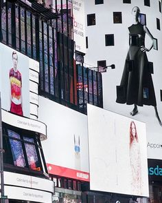 #라프시몬스 가 디렉터로 발탁되고 처음 공개된 #캘빈클라인 의 캠페인 컷들이 #뉴욕 #타임스퀘어 전광판을 점령했네요  WOW!! 라프파워가 대단하죠? 과연 그가 어떤 쇼를 보여줄지 벌써부터 기대가 큽니다  via ELLE KOREA MAGAZINE OFFICIAL INSTAGRAM - Fashion Campaigns  Haute Couture  Advertising  Editorial Photography  Magazine Cover Designs  Supermodels  Runway Models