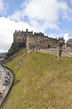 Edinburgh City Centre, Edinburgh Castle, Scotland Uk, Edinburgh Scotland, Edinburgh Military Tattoo, Fraser Clan, Live In The Now, Beautiful Places, Amazing Places