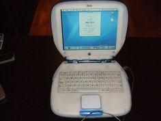 Apple iBook Clamshell.