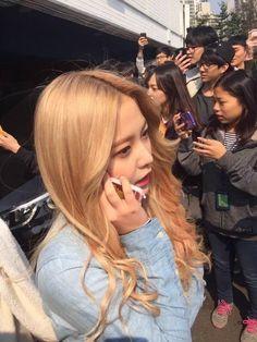 @sgrmilk Kpop Girl Groups, Korean Girl Groups, Kpop Girls, Red Velvet, Rapper, Kim Yerim, Seulgi, Reaction Pictures, Girl Crushes