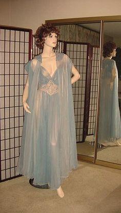 ~~SOLD~~1950s GLAMOROUS VINTAGE ROGERS PEIGNOIR SET in Multi-Blue Chiffon
