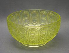 Vintage glass bowl by Nanny Still for Riihimäki Glass Works | Sokerikko/ Jälkiruokakulho, Riikinkukko. Design, Nanny Still, Riihimäen lasi