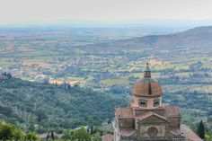 A Villa in Tuscany for a Month - Travel Babbo Rent A Villa, Business Travel, Italy Travel, Tuscany, Croatia, Netherlands, Paris Skyline, Taj Mahal, Greece
