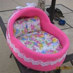 I love this little doggie bed!