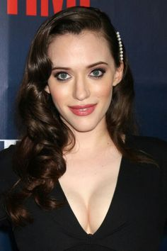 Kat Dennings Wavy Dark Brown Pinned-Back, Side Part Hairstyle Long Face Hairstyles, Haircuts For Curly Hair, Cool Haircuts, Latest Hairstyles, Bun Hairstyles, Curly Hair Styles, Kat Dennings Pics, Kat Dennigs, Long Faces
