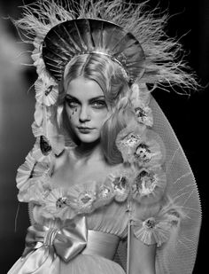 Jessica Stam at Jean Paul Gaultier Spring 2007 Haute Couture Jessica Stam, Jean Paul Gaultier, Paul Gaultier Spring, Fashion Art, High Fashion, Fashion Show, Fashion Design, Fashion 2018, Daily Fashion
