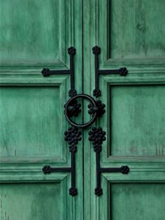 Wrought iron door decoration, Gyeongbokgung Palace, Seoul, Korea | by j.labrado