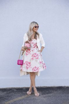 Flowers on a Fit n' Flare (Suburban Faux-Pas) Spring Summer Fashion, Spring Outfits, Office Outfits Women, Look Fashion, Fashion Design, Modest Wear, Look Chic, Preppy Style, Pretty Dresses
