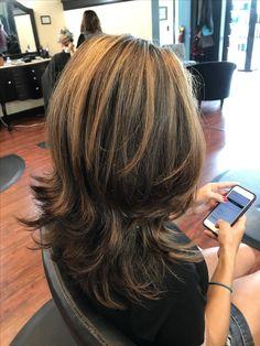 Best 11 Caramel highlights /dark brown hair with a gorgeous shag haircut. Medium Shag Haircuts, Long Layered Haircuts, Medium Hair Styles, Short Hair Styles, Caramel Highlights, Color Highlights, Highlights For Dark Brown Hair, Hair Color And Cut, Long Hair Cuts