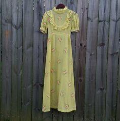 M Medium Vintage 60s 70s Pastel Yellow Swiss by PinkCheetahVintage