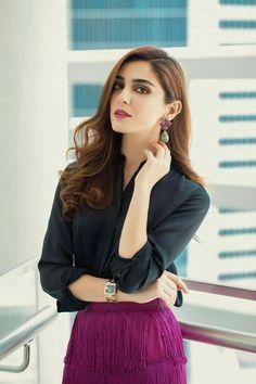 The Most Cutest Actresses And Models Asian Wedding Dress Pakistani, Pakistani Party Wear, Pakistani Girl, Pakistani Dress Design, Pakistani Actress, Pakistani Dresses, Sara Khan Pakistani, Bridal Lehenga Online, Maya Ali