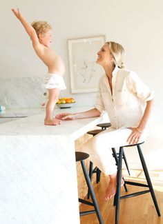 How Jessica de Ruiter became a stylist to the stars - Chatelaine Yoga Fashion, Fashion Beauty, Womens Fashion, Fashion Tips, French Women Style, Modern Lake House, Autumn Inspiration, Kitchen Inspiration, California Style