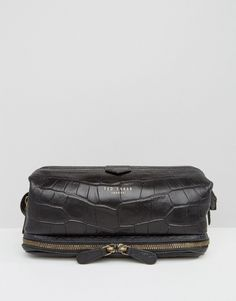 780336295a Ted Baker Wash Bag in Leather