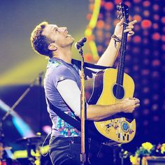 #ColdplayCopenhagen  - July 5 #coldplay #chrismartin