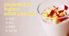 Heute gibt es selbstgemachten Macadamia-Joghurt. Mit Hilfe eines histaminsenkenden Probiotikums kreieren wir uns einen leckeren und verträglichen probiotischen Joghurt. Dazu noch einen Apfel oder frische Heildelbeeren und fertig ist das vegane Paleo-Frühstück. www.Histaminentzug.de #Histaminintoleranz