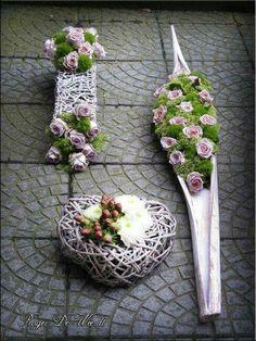 ♥ ~ ♥ Spring into Easter ♥ ~ ♥ Unique Flower Arrangements, Funeral Flower Arrangements, Funeral Flowers, Unique Flowers, Beautiful Flowers, Design Floral, Deco Floral, Arte Floral, Grave Decorations