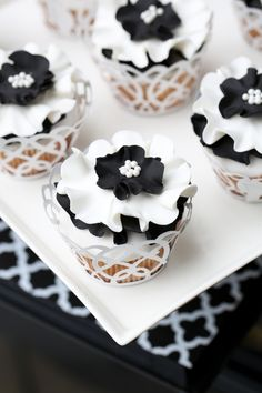 49 Amazing Black and White Wedding Cakes | Interesting Cakes ...