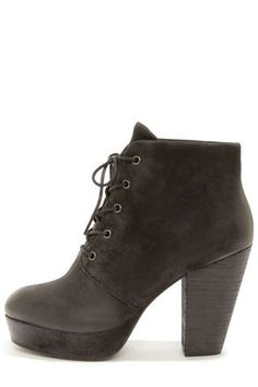Go to great heights with Gabi's fab extra high lace up ankle boot by Steve Madden!
