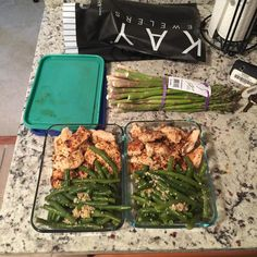 I enjoy my weekends off....Mon-Fri...nothing but business...no time to cook during the week. #mealprepsunday #eatinggood #eatclean #nojunkfood #nojunkfoodallowed by ________shaun