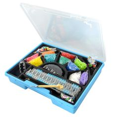 This Rainbow Loom Deluxe Set comes with SO many bands and accessories - everything a loom-lover needs, including a portable Monster Tail loom, hooks, and even a case! http://www.mastermindtoys.com/Rainbow-Loom-Deluxe-Set.aspx