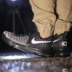 NIKE ZOOM KD 9 BLACK WHITE OREO KEVIN DURANT BASKETBALL 843392 010 #nike #nikebasketball #nikeKD9#kevindurantshoes #nikesportwear #nikekdsportwear #nikekdoutfits#airjordanoreo #basketballfashion #basketballsneaker #luxurysneakers#leisure #fashionshoes  http://www.sanalpazar.com/nike-zoom-kd-9-black-w…/i-70837309  https://www.cliqueshop.com/en/catalog/item/125791/