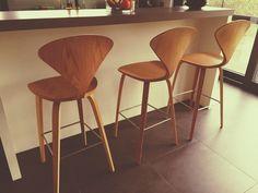 Друзья, заказ на гламурные барные стулья из гнутой фанеры Cherner от Norman Cherner (Норман Чернер) готовs к отгрузке клиенту в Иркутск😃 Барные стулья Chernerв наличии👍 Актуальная цена - 10 450 руб.💎 Доставка🚀Россия, Казахстан, Беларусь. Обращайтесь😉 #деревянныйстул #барныйстул #barstool #cherner #chernerbarstool #стулья #chair #дизайнерскийстул #designchair #loftchair #лофтстул #лофт #loft #дизайн #design #designfurniture #дизайнерскаямебель #хорека #horeca #modernus #модернус…
