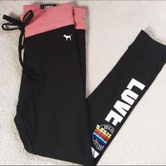 """PINK Campus Leggings Brand new with tags PINK Campus Leggings in a size Small. The leggings are in perfect condition having never been worn.                                                                                     ❌NO TRADES ❌                                                                         ❌Please do not ask: """"Lowest?"""" All negotiations must be done using the offer button. Questions like these and offers made in the comment section will be ignored.❌ PINK Victoria's Secret…"""