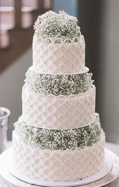 baby's breath-stylish wedding cake 3