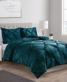 A sophisticated stunner with lush texture to match, the Carmen Velvet Pintuck Comforter Set features a kiss pleat textured design on velvety soft mink fabric for supreme warmth and style. Set includes comforter and matching two shams Teal Bedspread, Teal Bedding Sets, Blue Comforter Sets, King Comforter, Couple Bedroom, Luxury Bedding, Modern Bedding, Bed Spreads, Decoration