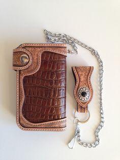 Portefeuille biker artisanal en cuir de vachette façon crocodile : Porte-monnaie, portefeuilles par lakota-cuir