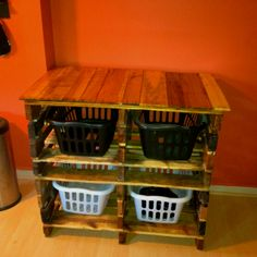Recycled pallet wood laundry station