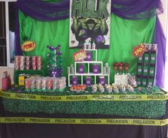 mesa de dulces hulk