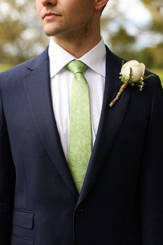 green tie + simple white rose boutonniere | Anna K Photography #wedding