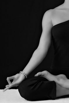 Me apasiona el bienestar y el equilibrio personal. Pienso que en la medida que nos conozcamos a nosotros mismos seremos capaces de manejar nuestras actitudes y emociones de mejor manera y así brindamos a todos los que nos rodean la mejor versión de nosotros mismos.
