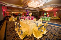 Great idea to do each table its own color! !  It'll match perfectly. ..........   Party decoration  for Quinceanera -girl- in Animal print-yellow.