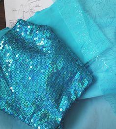 Elsa dress -fabric choices Frozen Dress Pattern, Blonde Halloween Costumes, Fairy Costume Diy, Frozen Bday Party, Frozen Princess, Disney Princess, Frozen Elsa Dress, Frozen Costume, Anna Dress