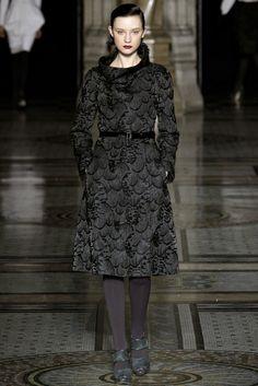 Nicole Farhi | Fall 2012 Ready-to-Wear Collection | Vogue Runway