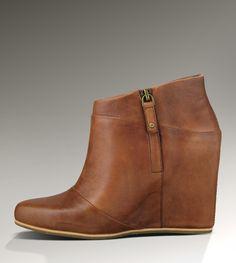 10a3d6ade96d Ugg Carmine 1001882 Brown... Want!!