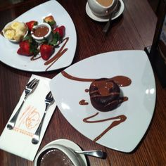 Max Brenner's chocolate souffle, fondue, mocha and Italian thick hot chocolate. Oh my...