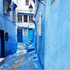 Bathed in blue, Chefchaouen, Morocco. Photo courtesy of blackstudentsabroad on Instagram.