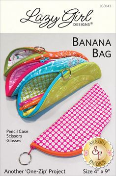 Sewing Gifts Banana Bag sewing pattern from Lazy Girl Designs. Make a bunch of banana-shaped zippered pouches! Perfect to: hold sewing tools, glasses, pencil case, supplies, or for gifting! - Love This : Banana Bag sewing pattern from Lazy Girl Designs Small Zipper Pouch, Zipper Bags, Sewing Hacks, Sewing Crafts, Sewing Tips, Sewing Men, Sewing Ideas, Bag Patterns To Sew, Sewing Patterns